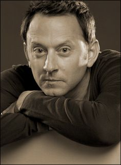 Michael Emerson famous for his roles on Lost and The Practice- from Cedar Rapids, Iowa Emerson, Serie Lost, Movies Coming Out, Hollywood Cinema, Person Of Interest, Lost Boys, Pretty Men, Beautiful Boys, Good People