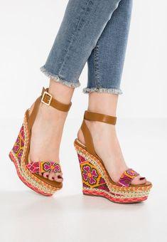 Heavenly Feet Camilla Womens Ladies Wedge Sandals Black