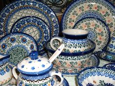 Out Of The Blue Pottery - Polish Pottery In Monticello, Illinois Polish Pottery, Pottery Art, Antique Pottery, Blue Pottery Jaipur, Antique Glassware, Ceramic Pots, My Collection, Handicraft, Stoneware