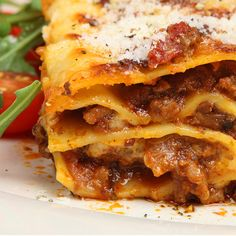 This is a great lasagna recipe that you hope there will be leftovers for the next day.