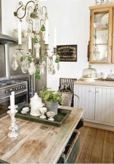 Distressed wood for kitchen
