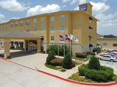 Tyler (TX) Sleep Inn & Suites Tyler South United States, North America Sleep Inn & Suites Tyler South is perfectly located for both business and leisure guests in Tyler (TX). The hotel offers a high standard of service and amenities to suit the individual needs of all travelers. Wi-Fi in public areas, car park are just some of the facilities on offer. Designed for comfort, selected guestrooms offer wake-up service, desk, alarm clock, television, satellite/cable TV to ensure a ...