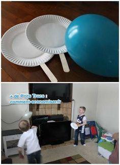 Ping-pong avec des ballons gonflables et des raquettes en assiette en carton et 19 autre idées pour occuper les enfants sans se ruiner
