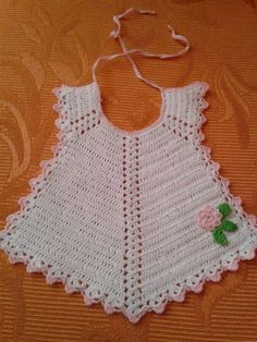 Super ideas for crochet free pattern baby clothes red hearts Crochet Baby Bibs, Gilet Crochet, Crochet Baby Clothes, Crochet Girls, Crochet For Kids, Crochet Toys, Baby Knitting, Knit Crochet, Baby Patterns