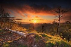 Zachód słońca z Kostrzyny 906m n.p.m. - Góry Suche - Sudety Środkowe foto: Damian Posadzy Fotografia