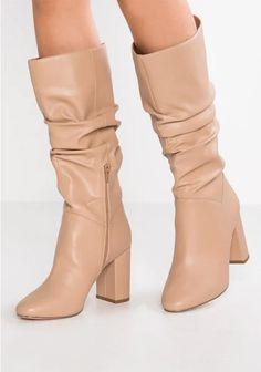a1daa4040e 45 mejores imágenes de beige boots