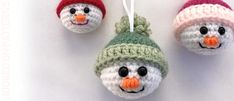 Free Crochet Snowman Baubles - Christmas Decorations Start Christmas with my FREE adorable crochet Snowman baubles. Put them on your Christmas tree, or give them as little festive gifts! Crochet Christmas Decorations, Crochet Decoration, Christmas Crochet Patterns, Holiday Crochet, Snowman Decorations, Crochet Animal Patterns, Christmas Knitting, Snowman Ornaments, Amigurumi Patterns