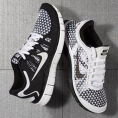 Black on white or White on black. What would you choose #love #fitness #fashion #style #trainers #active #fit #women #white #black #nike