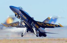 Navy Blue Angels fliegen 6 McDonnell Douglas F/A-18 Hornet: Die beste ...