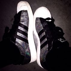 SUPERSTAR BLACK CASUAL SHOES
