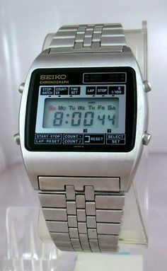 Lovely Seiko LCD watch here from the M-series.