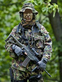 Swiss Special Forces Soldiers from Armee-Aufklärungsdetachement 10.