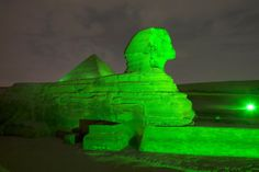 More than 100 landmark buildings and iconic sites turning a shade of green to honour Ireland's national holiday. Rugby Union Teams, Ireland Rugby, Christ The Redeemer Statue, Go Irish, Images Of Ireland, Six Nations, Irish American, Pyramids Of Giza, Famous Landmarks