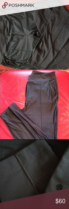 Lulu lemon 🍋 pants Front the black and gray back the pants 👖 like new lululemon athletica Pants Leggings