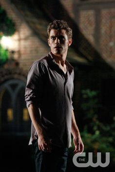 """Haunted"" - Paul Wesley as Stefan in THE VAMPIRE DIARIES on The CW. Photo: Quantrell Colbert/The CW �2009 The CW Network, LLC. All Rights Reserved.pn"