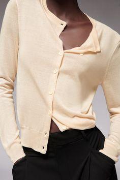 CHAQUETA PUNTO FINO - Rosa claro | ZARA España Zara, Knit Cardigan, Jackets, Dots
