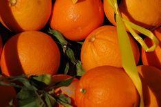 Narancsban lévő vitaminok – rendkívül értékesek a szervezet számára, nagyon jótékonyan hat, ezért a narancs fogyasztása minden nap ajánlott Nap, Minden, Orange, Fruit