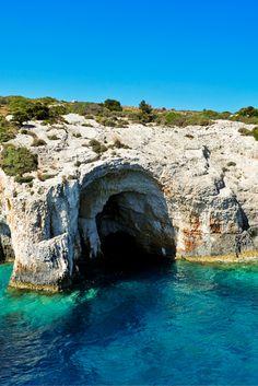 Zakynthos is prachtig! En met dit perfect gelegen appartement kun jij er maximaal van gaan genieten☀ Pak je strandtas en vlucht naar Navagio Beach!✈