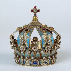 Renewing my crown in a year. I guess I like this color. Royal Crowns, Royal Tiaras, Crown Royal, Tiaras And Crowns, The Crown, Crown Art, Invisible Crown, Royal Jewelry, Silver Jewellery