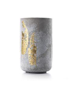 margadirube:  coilpotter: Concrete vase by Doreen Weshphal