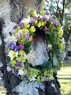 MIDSUMMERS EVE In swedish: Midsommarafton. Today is a day full of flowers, pickled herring, strawberrys, maypoles, pretty dresses, family and SUMMER!!!