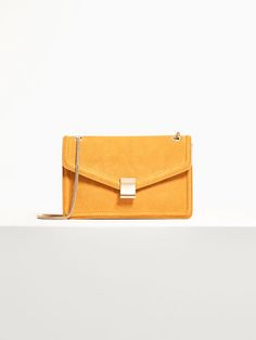 Spring summer 2017 Women´s LIMITED EDITION LEATHER CROSSBODY BAG at Massimo Dutti for 139. Effortless elegance!