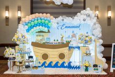 Decoracion arca de Noé Birthday Cake, Happiness, Happy, Design, Archway Decor, Catholic Wedding, Corporate Events, Christening, Cards
