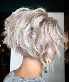 70 Overwhelming Ideas for Short Choppy Haircuts Short Choppy Blonde Bob Short Choppy Haircuts, Pixie Haircuts, Layered Haircuts, Haircut Short, Short Wavy Hair, Curly Bob, Back Of Short Hair, Curling Short Hair, Style Short Hair
