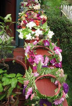 Midsummar: it is traditional to wear a flower crown