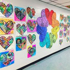 Cassie Stephens: In the Art Room: Romero Britto-Inspired Hearts in First grade!