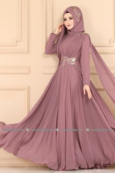 Hijabi Gowns, Hijab Wedding Dresses, Dressy Dresses, Pakistani Dresses, Nice Dresses, Abaya Fashion, Muslim Fashion, Modest Fashion, Fashion Dresses