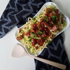 One pot pasta, cheesy taco, nem og lækker hverdagsret fra Pasta Salat, Salsa Chicken, One Pot Pasta, Aioli, Pepperoni, Vegetable Pizza, Bacon, Mayonnaise, Recipies