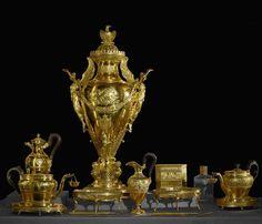 Arts décoratifs Premier Empire - Martin-Guillaume Biennais : Service à thé de Napoléon 1er. Livré en 1810. (Louvre).