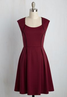 Celebrate the triumph of teamwork after placing first at the model diplomacy competition in this cranberry dress! Featuring a black-piped bodice and a sophisticated pleated skirt, this knit number is a fantastic pick for reveling in a hard-earned victory.