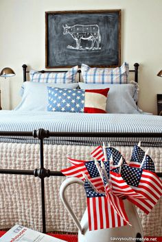 Patriotic Ideas & Projects from Memorial Day to Labor Day - Guest room decor