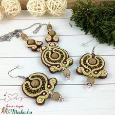 Barokk hangulatban sujtás nyaklánc nyakék fülbevaló szett esküvő alkalmi koszorúslány örömanya násznagy ünnepi elegáns (Arindaekszerek) - Meska.hu Washer Necklace, Crochet Earrings, Jewelry, Jewlery, Jewerly, Schmuck, Jewels, Jewelery, Fine Jewelry