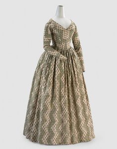 Dress (c. 1840) ENGLAND  Medium silk, cotton, metal (fastening) Place/s of Execution England Accession Number 1075-D4