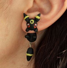 Hi these are original earrings of the cute eeveelutions. Made with polymer clay and ready to ship in less than one week. Price for one unit, if you want a pair select 2 in quantity We make all our shipments with regular mail, if you want us to send your order by certified shipment please send us a message before ordering :) Thanks for watching
