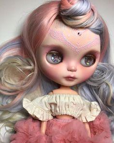 Baby Muse all unedited iPhone pics / #ブライス #カスタムブライス #ネオブライス #カワイイ #gbaby #gbabydolls #customblythe #blythe #doll #blythedoll #blythecustom #art #barbie #monsterhigh #pullip #bjd #kawaii #art #bjd #balljointeddoll #makeup #mua #fashion #americangirldoll