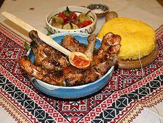 Ostropior oltenesc cu pui ~ Bucatar maniac si prietenii My Favorite Food, Favorite Recipes, Romanian Food, Romanian Recipes, Ratatouille, Paella, Good Food, Meat, Chicken