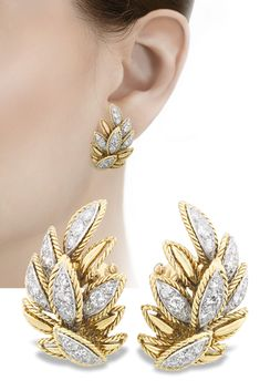 Lush foliage is the theme of these wonderful Van Cleef & Arpels diamond clip earrings. Several of the leaves are studded with approximately 3 ctw. of white diamonds. Van Cleef & Arpels has been on the cutting edge of jewelry design since opening in Diamond Earrings Tiffany, Princess Cut Diamond Earrings, Diamond Pendant, Diamond Jewelry, Gold Jewelry, High Jewelry, Vintage Jewelry, Mommy Jewelry, Gold Bracelets