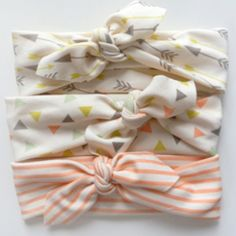 Little Hip Squeaks Headbands for baby girl. #lhsfpholiday @Little Hip Squeaks // Amy Richardson Golia @Freshly Picked