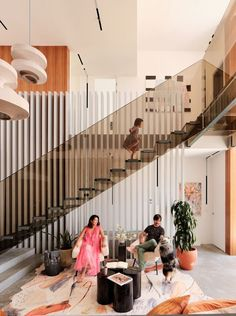 Check out this design and other amazing stairs on our web site San Francisco Design, San Francisco Houses, Glass Stairs, Floating Stairs, Living Room Modern, Living Room Designs, Glass Pavilion, Modern House Design, Trellis