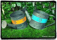 Jarra pequeña metal Referencia: R3980 Colores: Fuccia, Azul, amarillo  LLamanos:Tel.(+574) 511 78 17 Cel.(+57) 3127994768 Cra 52 # 45-23 Carabobo Cra 54 # 49-19 Cucuta