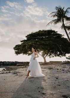 Waikiki Bridal Session — Haili Wise Photography Whimsical Wedding Inspiration, Elopement Inspiration, Maui Weddings, Hawaii Wedding, Wedding Groom, Wedding Day, Wedding Venues, Wedding Photos, Bridal Session