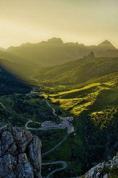 Passo Falzarego - Belluno - Dolomiti / Photo by Giorgio Dalvit