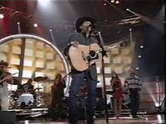 George Strait - Desperately (LIVE) SOMEDAY I WILL SEE HIM IN CONCERT!!!!!!!!!!!!!!!!!!!!
