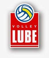 """VISTO DAL basso    : VOLLEY Lube in Coppa Italia con l'inno """"Cuore bian..."""