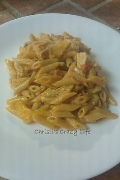 Cheesy Chicken pasta... super quick, super good!