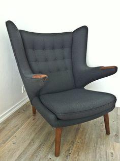 Hans J. Wegners Bamsestol (Papa Bear Chair)